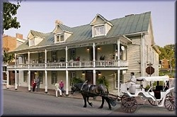 Eureka Inn Bed and Breakfast - Built 1797